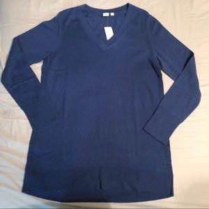 NWT Navy V-Neck Gap Maternity Sweater